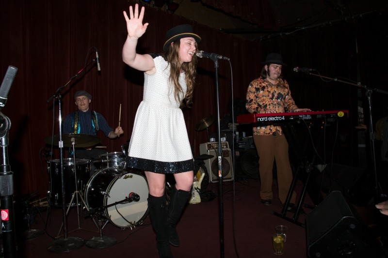 Lauren Bjelde of Royal Jelly Jive perform at HopMonk Tavern in Sebastopol. (Estefany Gonzalez)