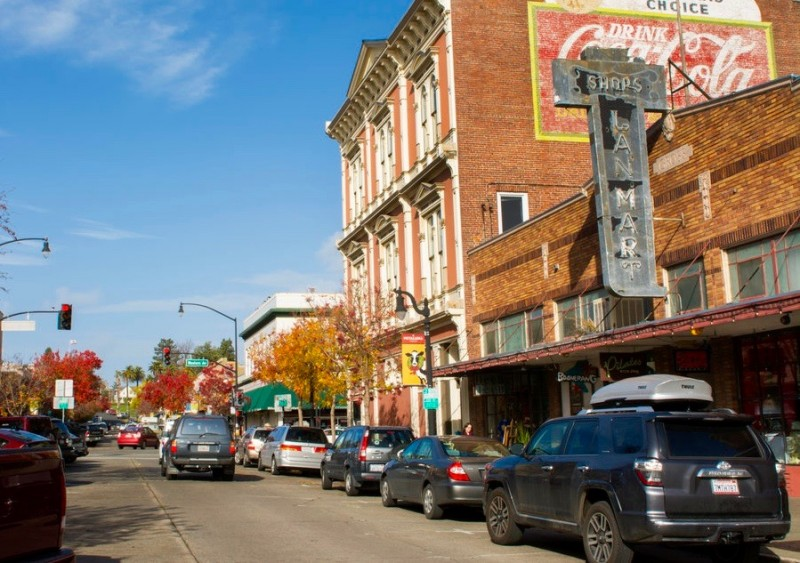 Sonoma County Town Makes List of Top 5 Main Streets in the West