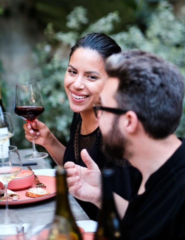 wine-club-gathering-sun-0816