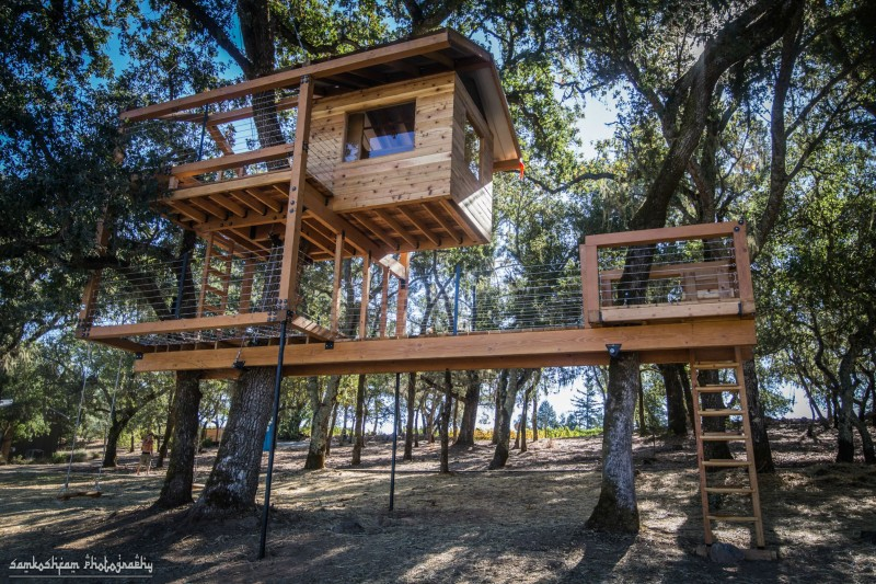 A Calistoga treehouse constructed by Dustin Feider/O2 Treehouse.