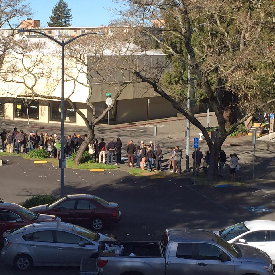 The line for Pliny the Younger, to get into Russian River Brewing on day 9 of the two week release. Taken from the rooftop of the RRNC building. This is the back side of the building, leading into the parking lot on 5th Street. (Photo from RRBC Facebook page)