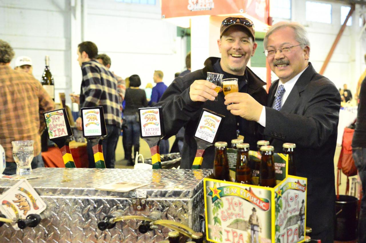 Head Brewer, Rob from Bear Republic enjoys a sip with San Francisco Mayor, Ed Lee at the Sf Beer week opening gala. The Bear Republic crew poured their new, just tapped Kompronat DIPA special for the gala. (Photo by Tim Vallery)