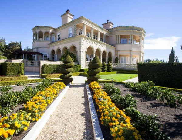 Five acres of gardens make for a perfect place to sneak at kiss at Ferrari-Carano (Photo courtesy of Ferrari-Carano)