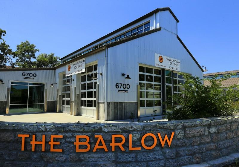 JB0630_BARLOW_BULDING_787531