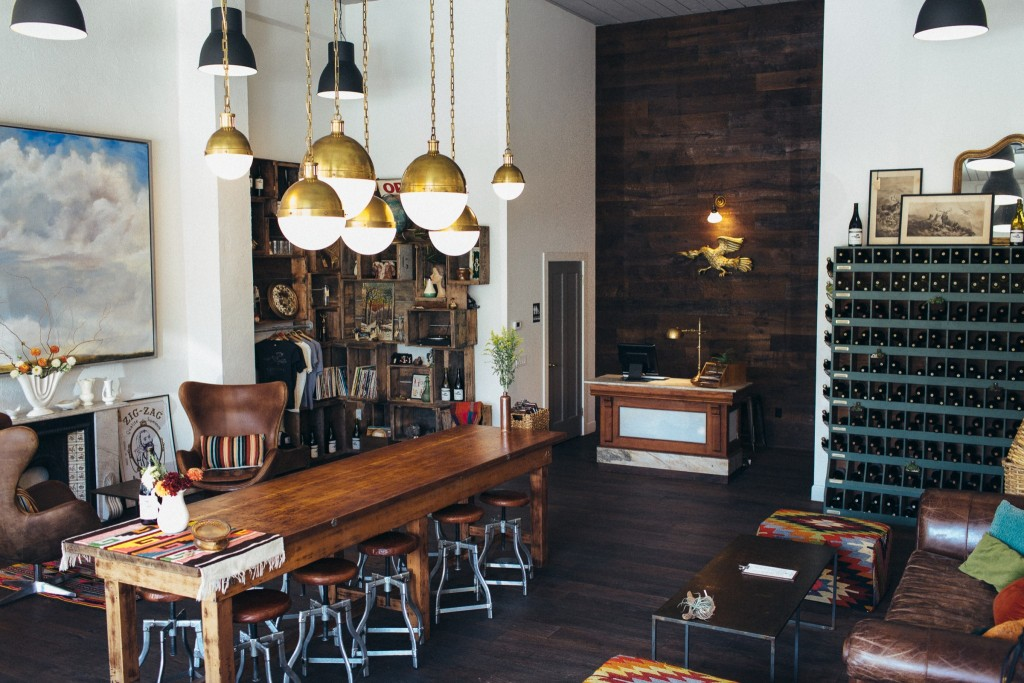 6 Tasting Rooms to Visit Right Now in Downtown Healdsburg