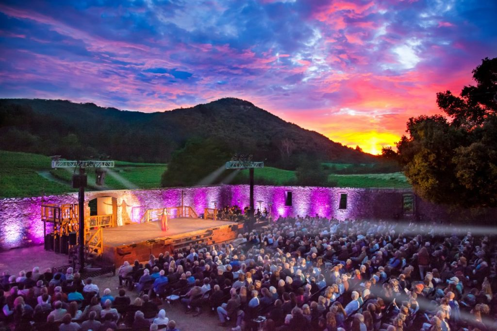 5 Hot Wine Country Dates for Culture Vultures