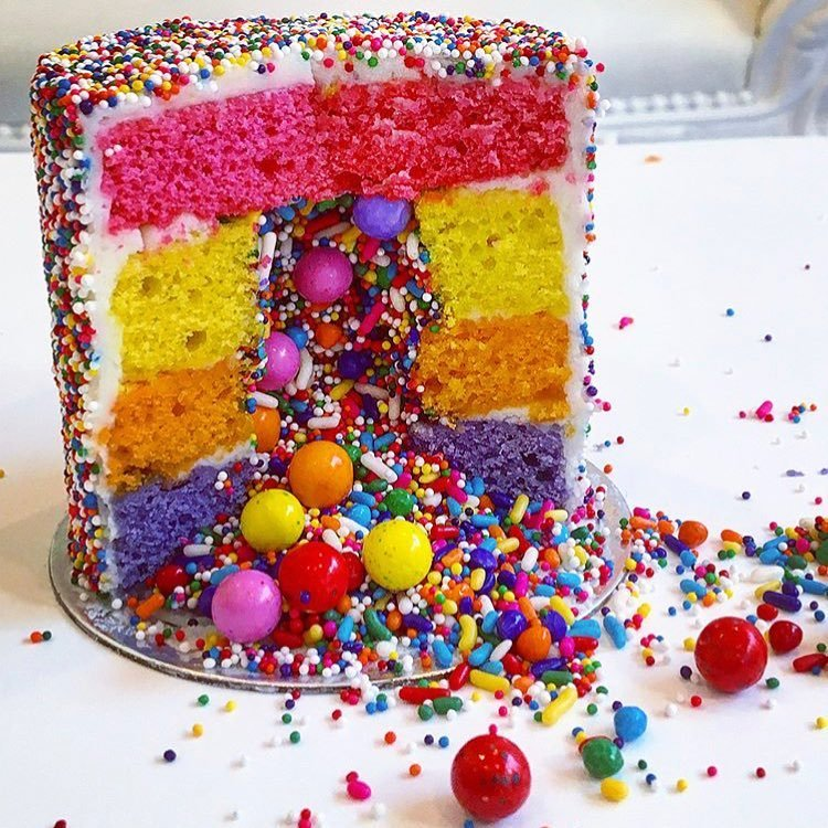 Rachel Ray Seth Meyers And Just About Everyone Else In NYC Is Freaking Out The Sprinkle Explosion Cake From Flour Shop Bakery New York City