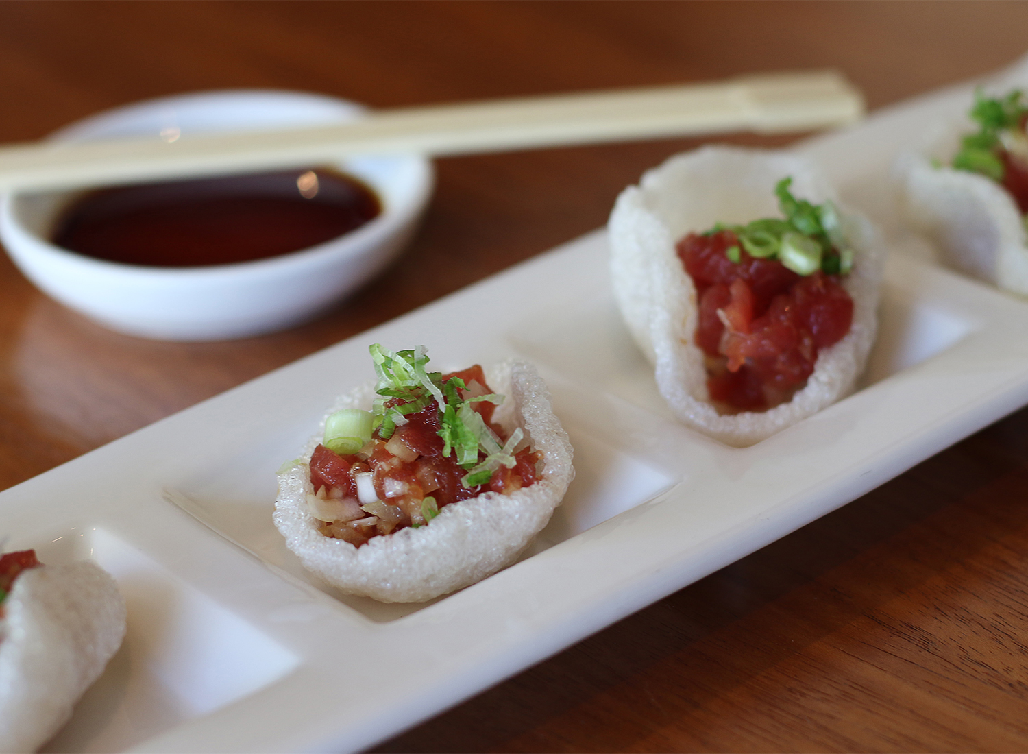 Tuna tartar on shrimp crackers at Sake 107 in Petaluma. Heather Irwin/PD