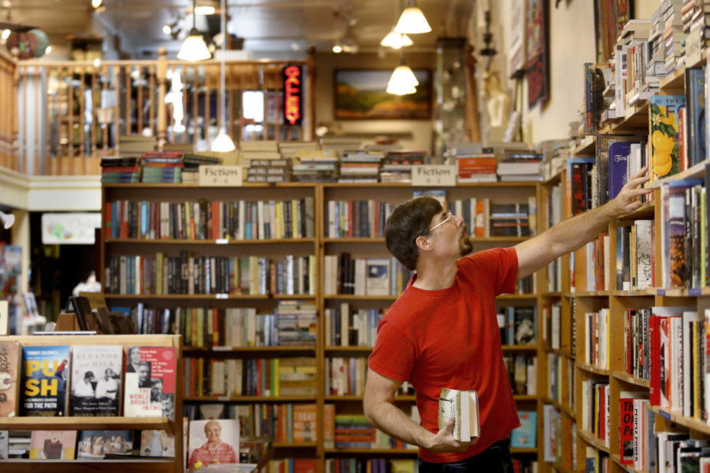 These Local Bookstores Are Offering Curbside Pickup and Delivery