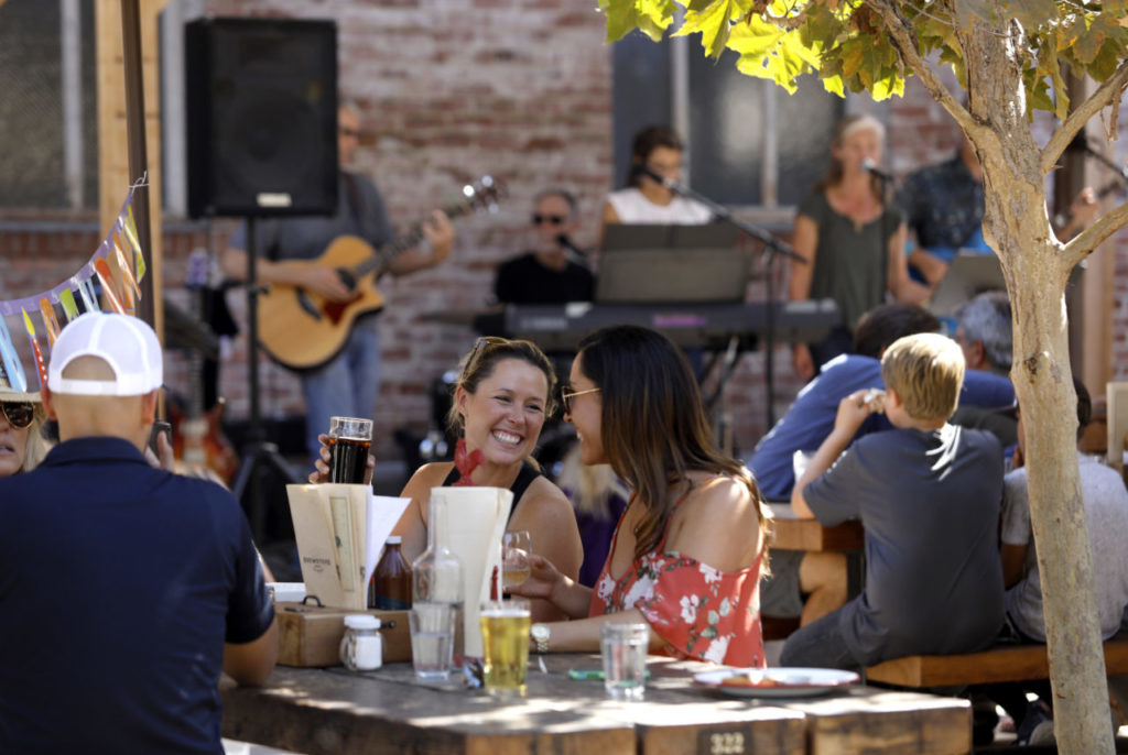12 Favorite Restaurants, Bars and Wineries for Live Music in Sonoma County
