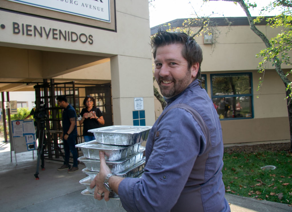 Chef Dustin Valette of Valette Restaurant in Healdsburg delivering food to the Healdsburg Community Center. Heather Irwin/PD