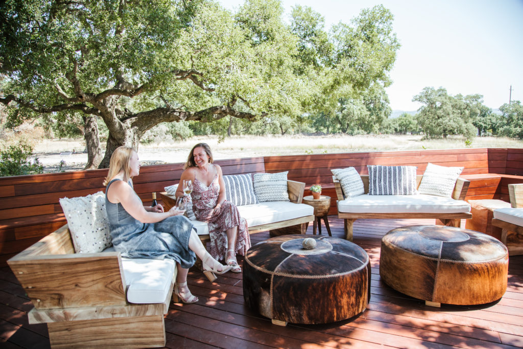 5 Top Sonoma Wineries for Cool Outdoor Tastings