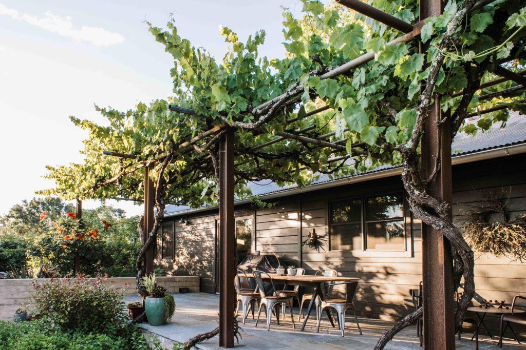 Two Landscape Professionals Create a Breezy, Meditative Home in Sonoma